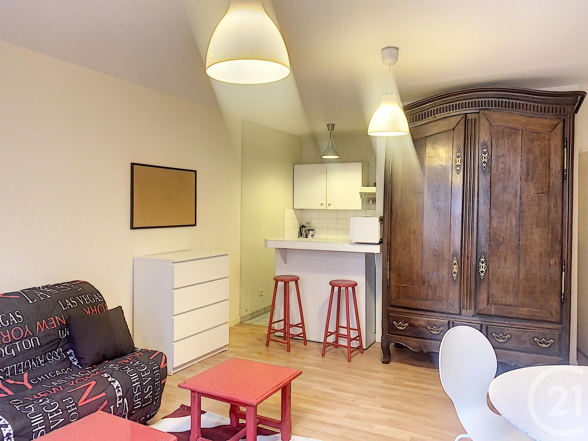 Appartement F1 à louer - 1 pièce - 40,0 m2 - TROYES - 10 - CHAMPAGNE-ARDENNE
