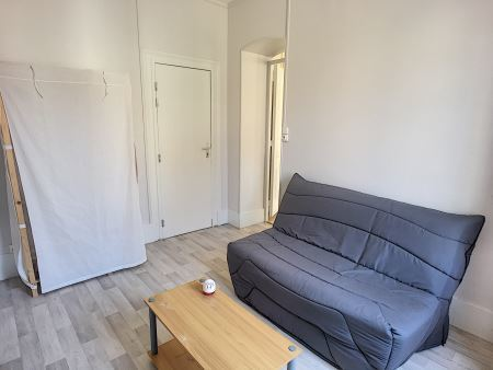 Appartement à louer - 1 pièce - 29 m2 - TROYES - 10 - CHAMPAGNE-ARDENNE