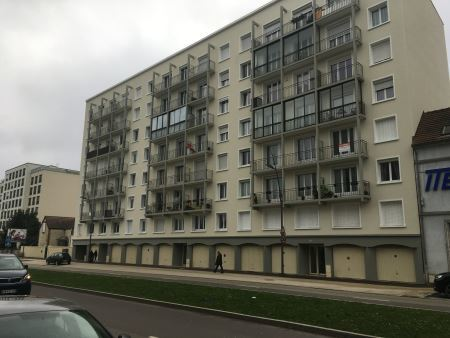 Appartement à louer - 3 pièces - 58 m2 - TROYES - 10 - CHAMPAGNE-ARDENNE