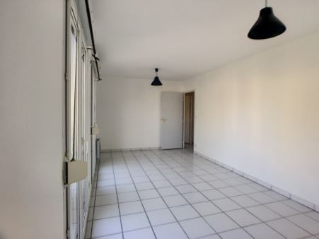 Appartement à louer - 2 pièces - 49 m2 - TROYES - 10 - CHAMPAGNE-ARDENNE